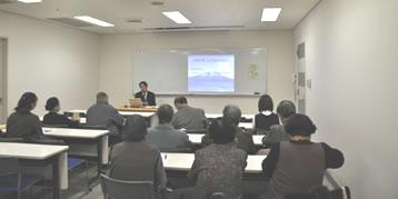 旭ヶ丘老荘大学にて 山田哲夫先生